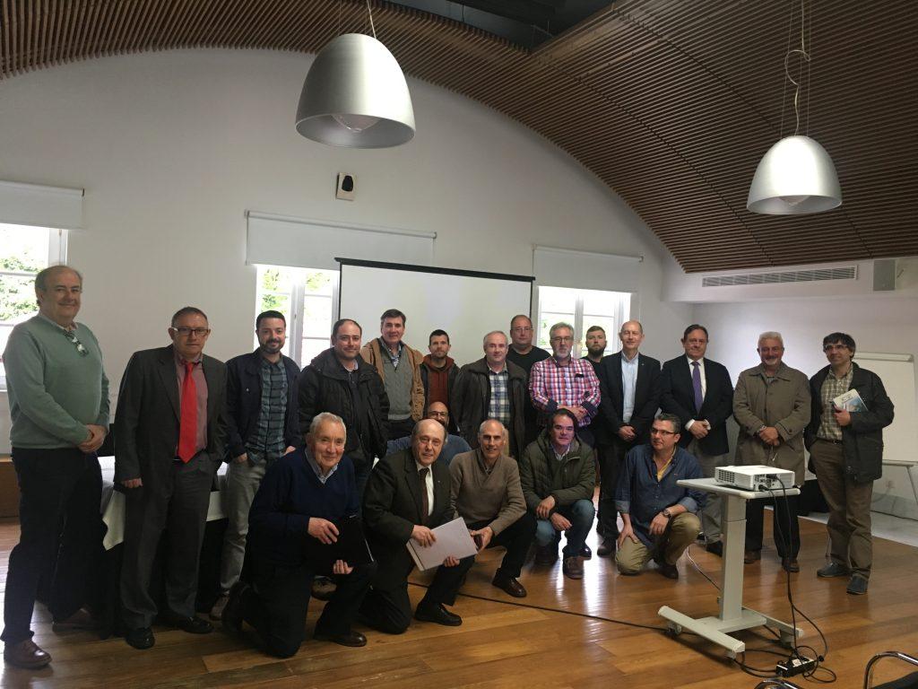 Llevamos la banda ancha hasta el último rincón de Asturias 1 Muchos de los asociados de FENITEL ASTURIAS han participado en una nueva reunión con los representantes de Quantis / Eurona para conocer los detalles de có