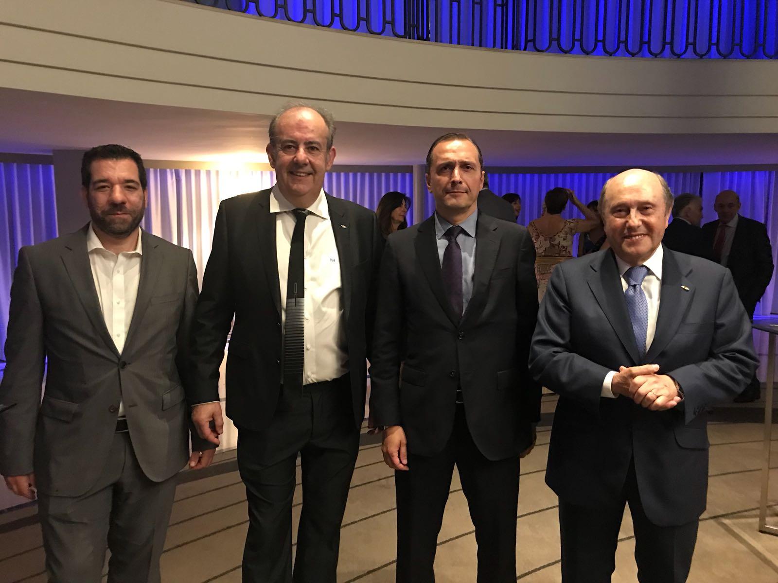Amplia participación asturiana en el 40 Aniversario de FENITEL 4 Durante los días 21 y 22 de junio, una amplia delegación de Fenitel Asturias participó en la Asamblea General de nuestra Federación Nacional, FENITEL, así