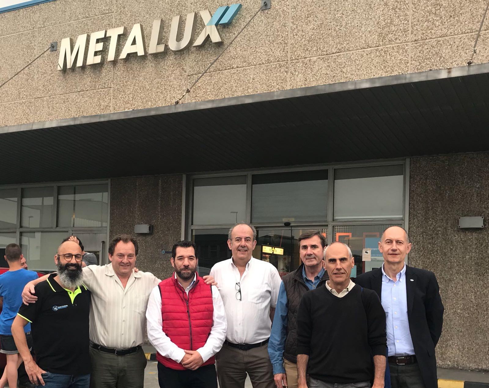Curso de Formación sobre Fibra Óptica en METALUX Avilés 3 Numerosos asociados de Fenitel Asturias participaron la pasada semana en un curso de formación realizado por nuestra empresa colaboradora, METALUX, en sus