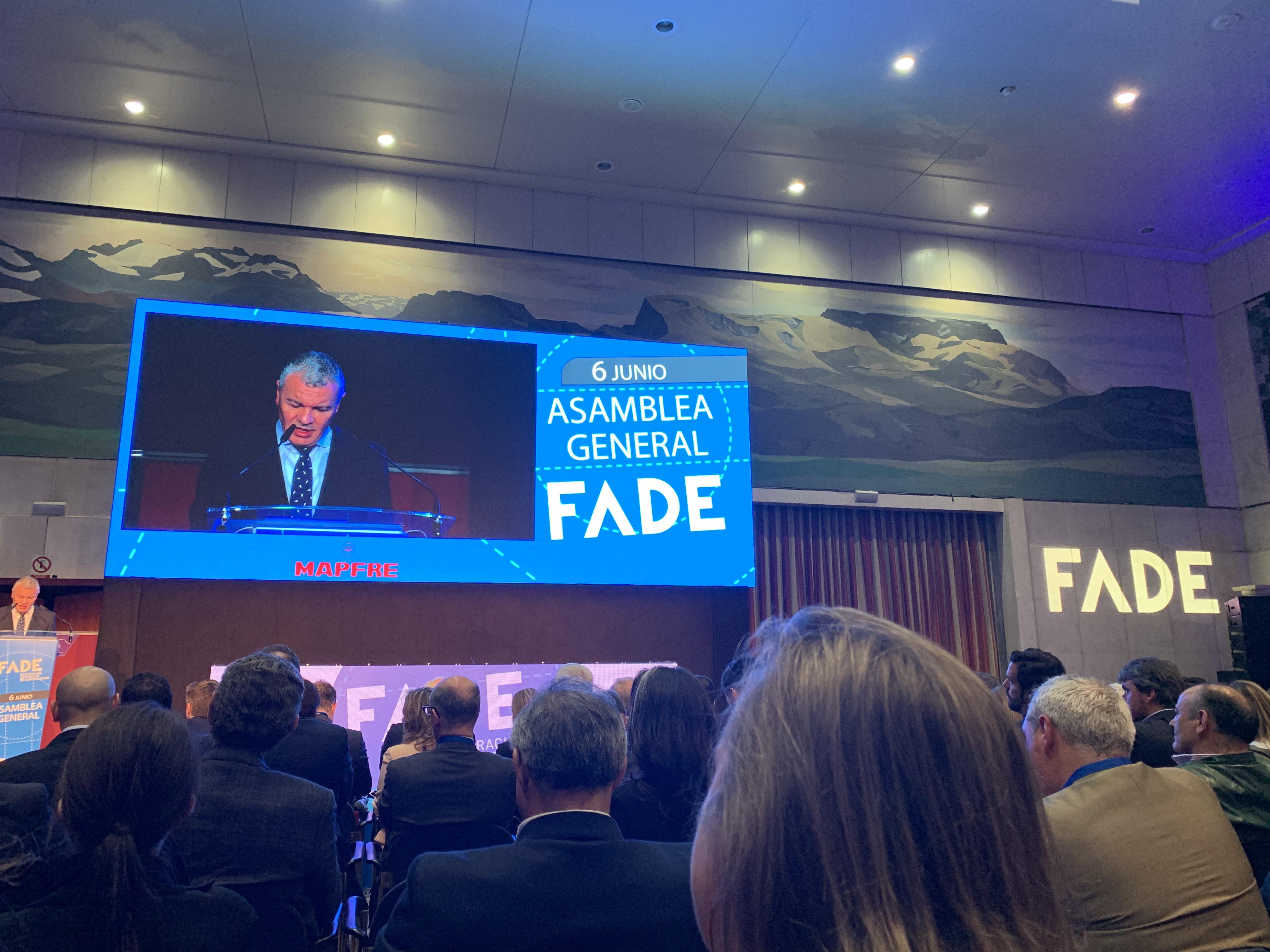 Fenitel participa en la Asamblea General de la Federación Asturiana de Empresarios 1 Una delegación de nuestra Federación asistió a la Asamblea General Anual de la Federación Asturiana de Empresarios, que fue clausurada por el presidente de