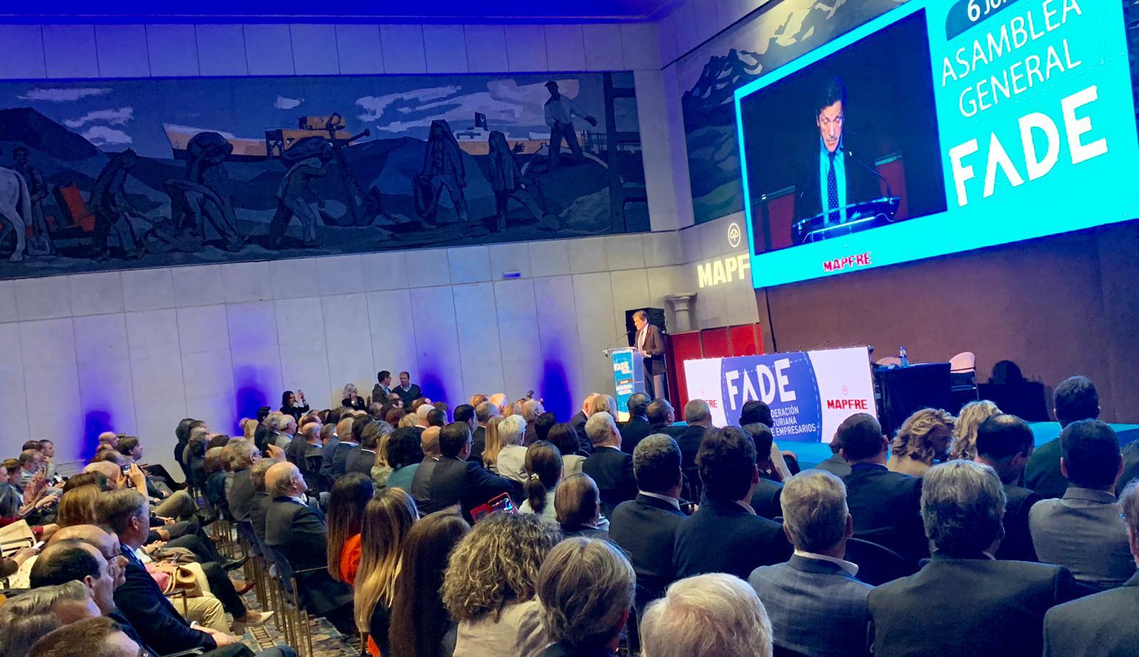 Fenitel participa en la Asamblea General de la Federación Asturiana de Empresarios 4 Una delegación de nuestra Federación asistió a la Asamblea General Anual de la Federación Asturiana de Empresarios, que fue clausurada por el presidente de