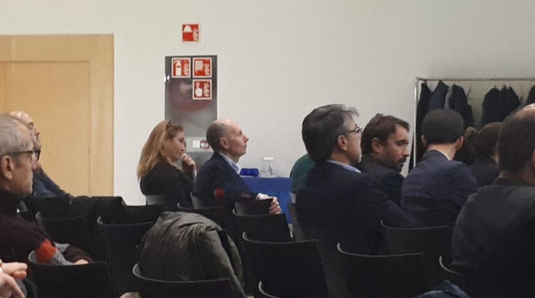 Presidente Fenitel Luis Vigil junto a Ana Pérez de Ingenium, Ingeniería y Domótica, S.L.