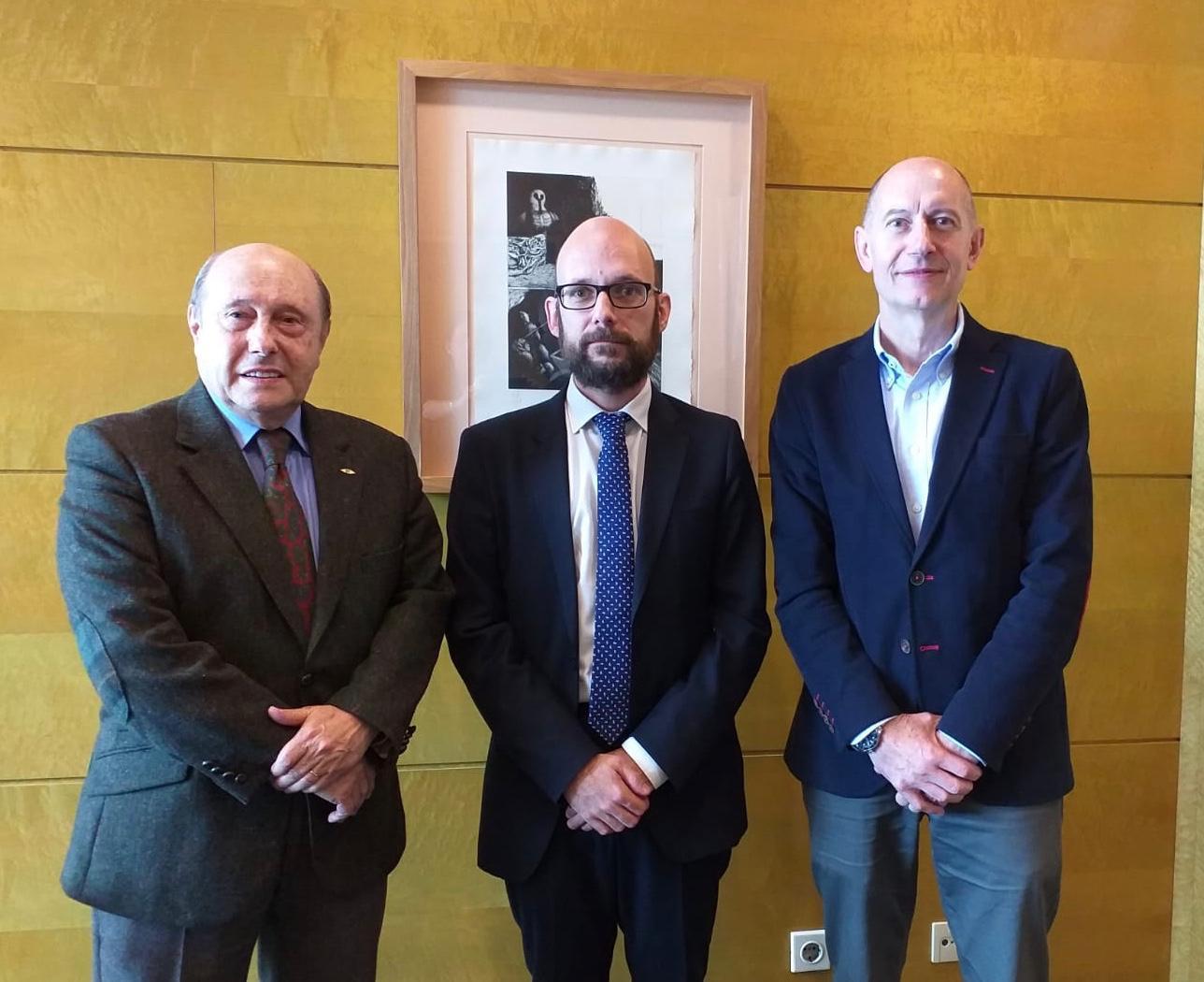 Fenitel con el director genera de Innovación en Asturias